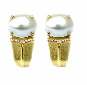 Sojourn Earring with Mabe Pearl and .10pts diamonds