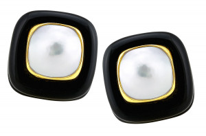 Onyx and Mabe Pearl Earring with Gold Bezel