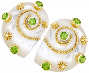Mother of Pearl Shell Earring with Peridot and Twisted Gold Rope