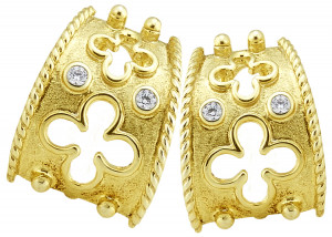 Florentine Textured Clover Earrings with .16pts Diamonds