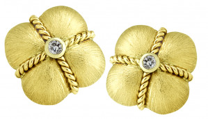 Clover Earring with Twisted Rope and .10pts Diamonds