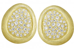 Florentine Textured Earring with 1.40cts Diamonds