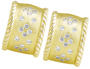 Florentine Earring with .96pts Diamonds