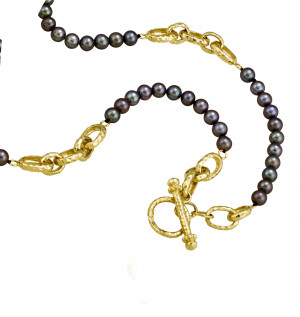 Black Pearl Toggle Necklace with Hammered Gold Links