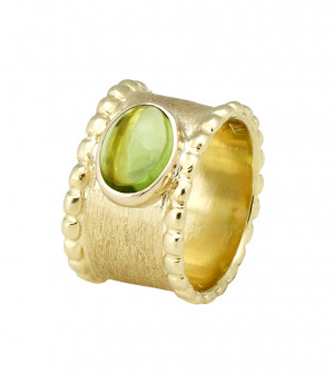Florentine Textured Peridot Cabochon Ring