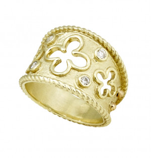 Florentine Textured Clover Ring with Twisted Rope and .16pts Diamonds