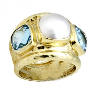 Hammered Ring with Checkerboard Light Swiss Blue Topaz Sides and Mabe Pearl Center